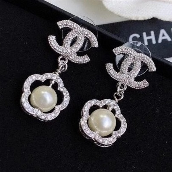 RESERVED - Gorgeous Chanel drop earrings